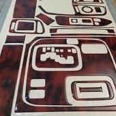 Накладки салона под дерево для Toyota Land Cruiser 100. 📌Цена от 3500 руб. При оформлении заказа укажите промо-код🔥DKS🔥 и получи✉ бесплатную доставку. ⠀ 🌐 https://dekorsalona.ru тел. +7-900-656-75-55 ⠀ #toyota #toyotalandcruiser #landcruiser #интерьер #tuning #тюнинг #тюнингсалона #авто #джип #накладкисалона